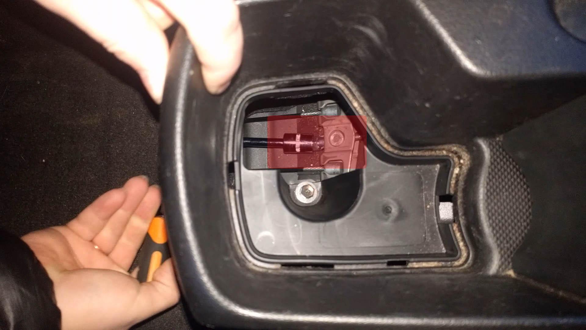 как подтянуть ручной тормоз на киа пиканто